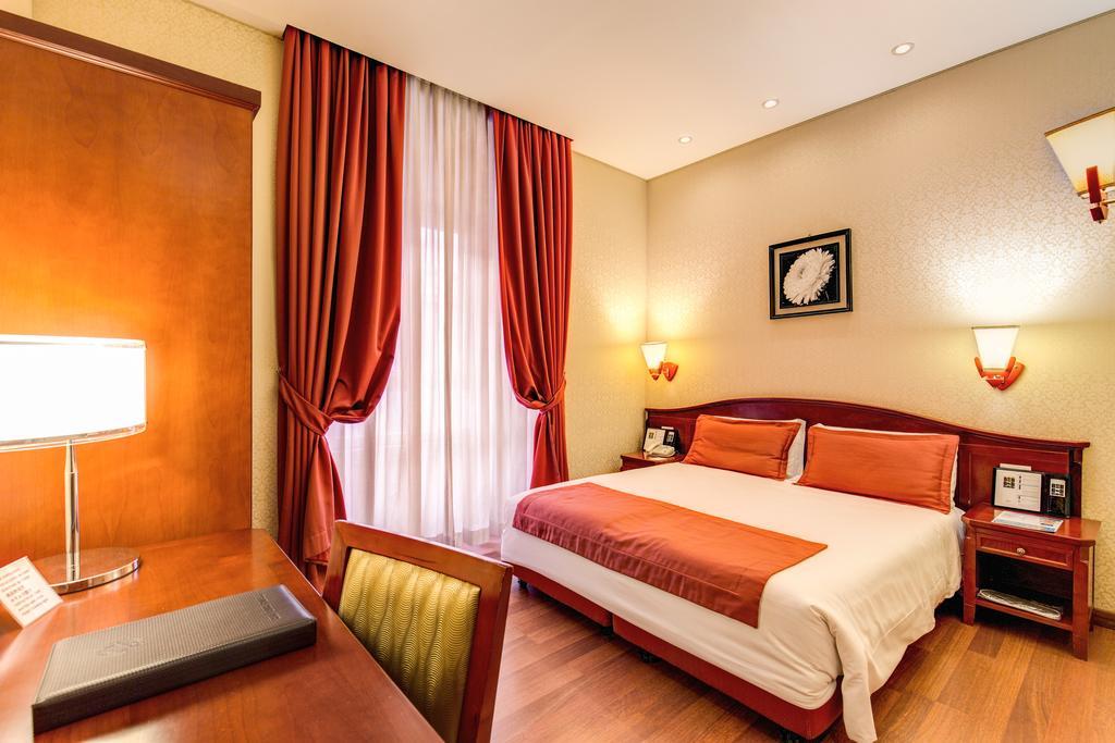 奧古斯塔魯西拉宮酒店