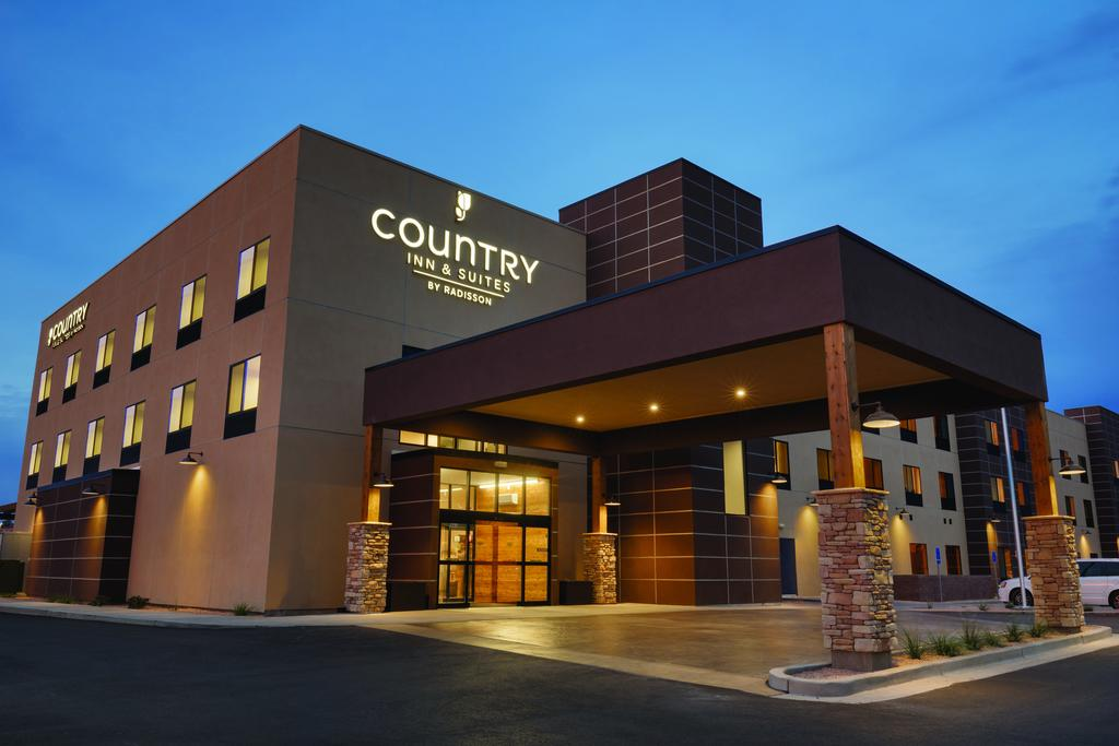 Country Inn & Suites by Radisson, Page
