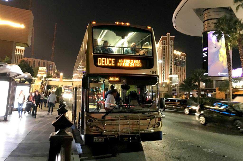 Deuce-bus-in-Las-Vegas
