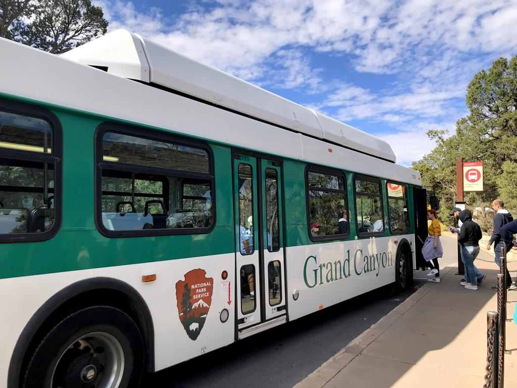 Grand-canyon-shuttle-bus