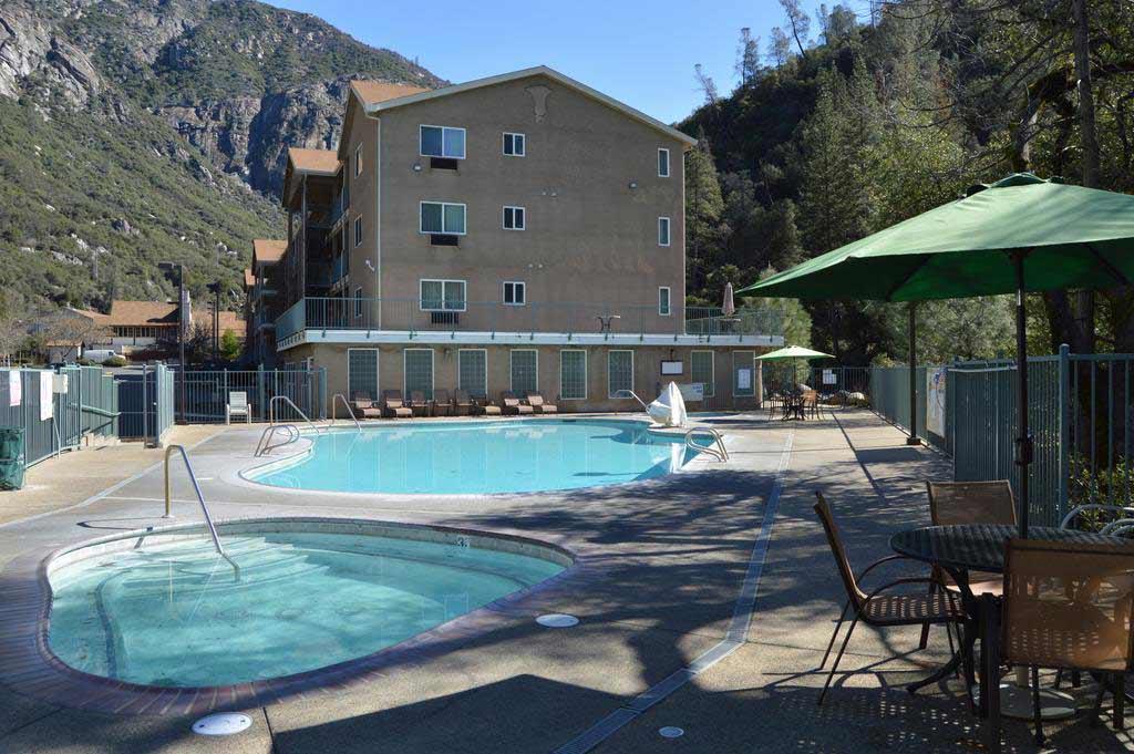 Yosemite-View-Lodge