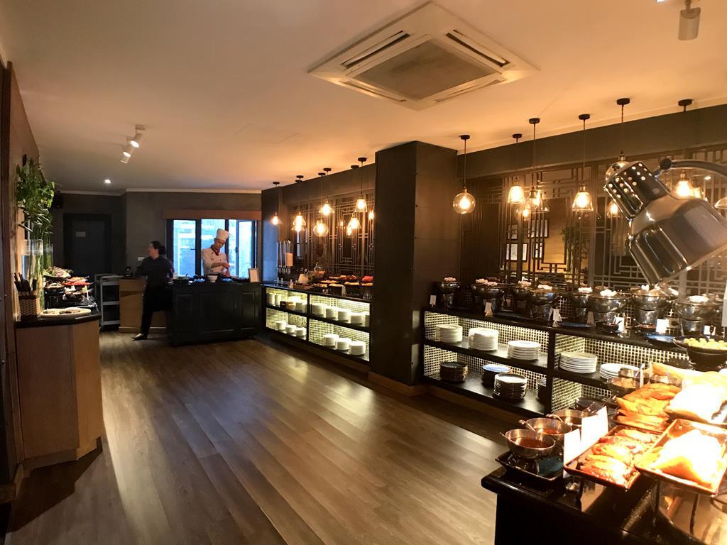 Hanoi-La-Siesta-Hotel-Trendy Breakfast