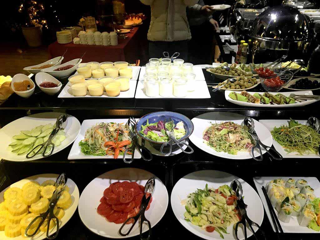 Essence Palace Hotel & Spa breakfast