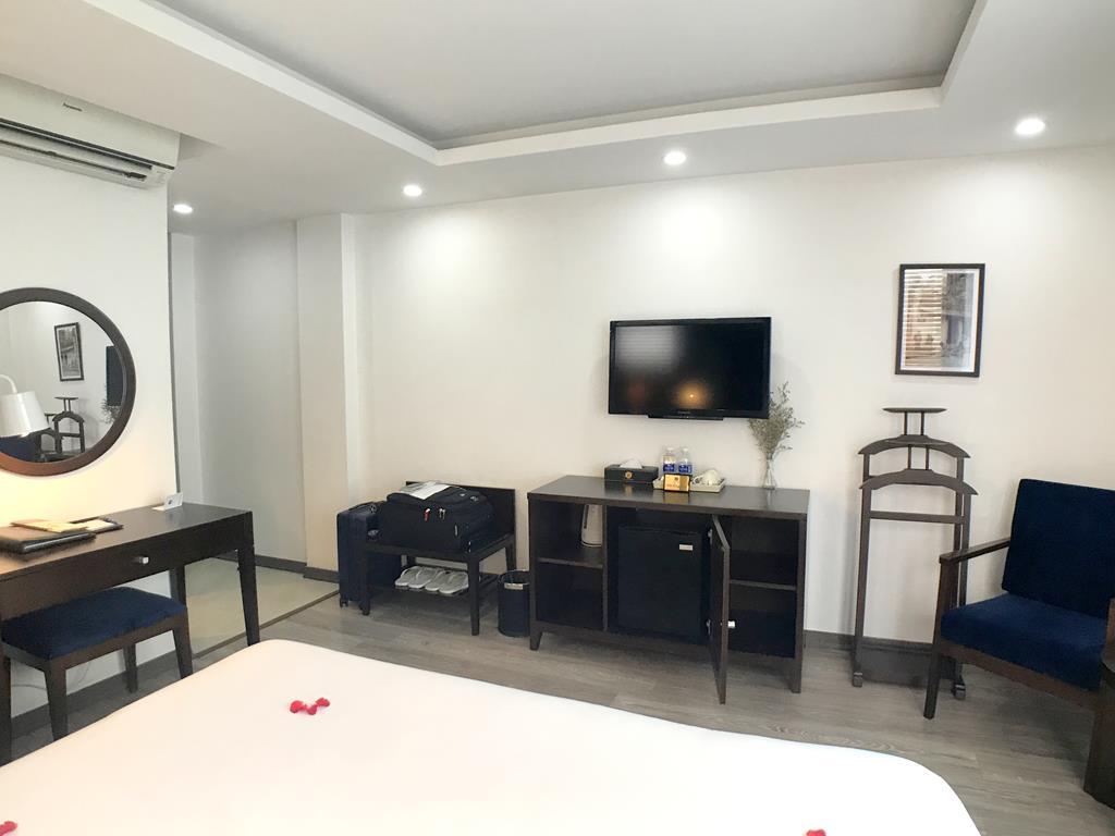 Hanoi Bonsella Hotel Room