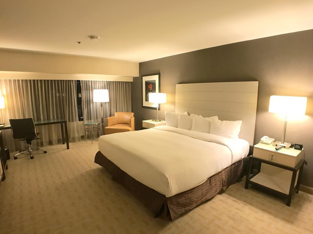 Room of Hilton Los Angeles Airport