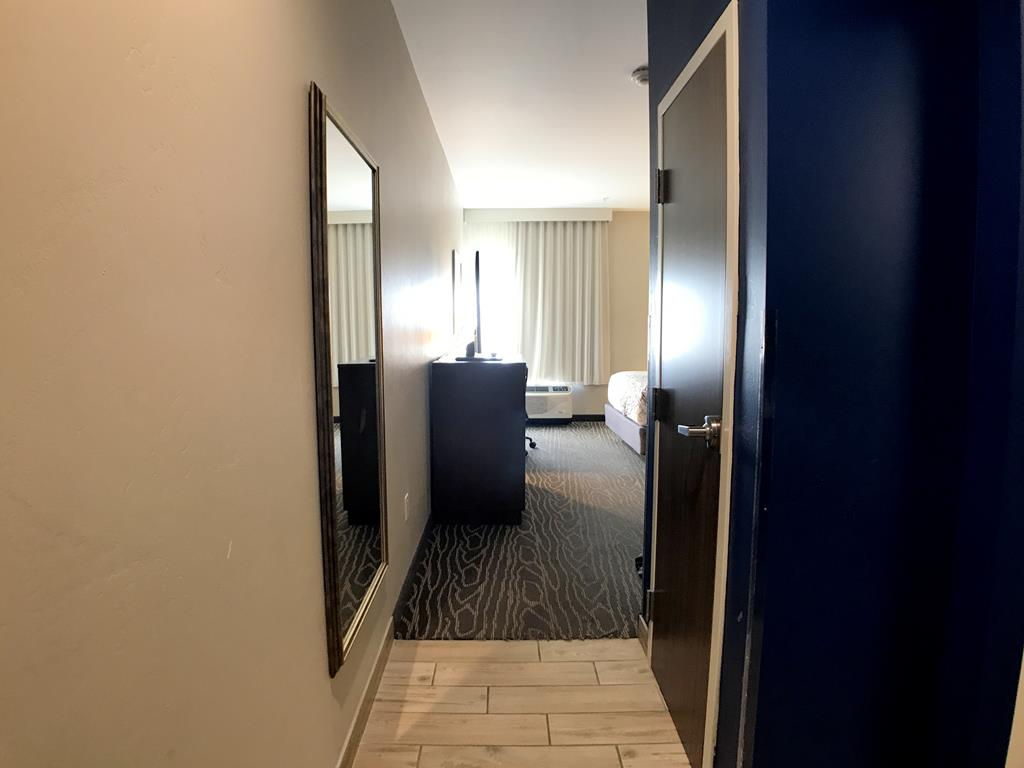 Room of La Quinta by Wyndham Page at Lake Powell (1)