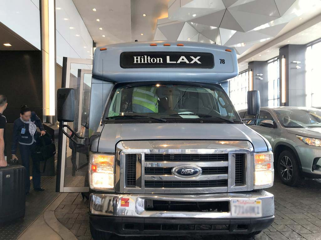 shuttle-bus-of-Hilton-Los-Angeles-Airport