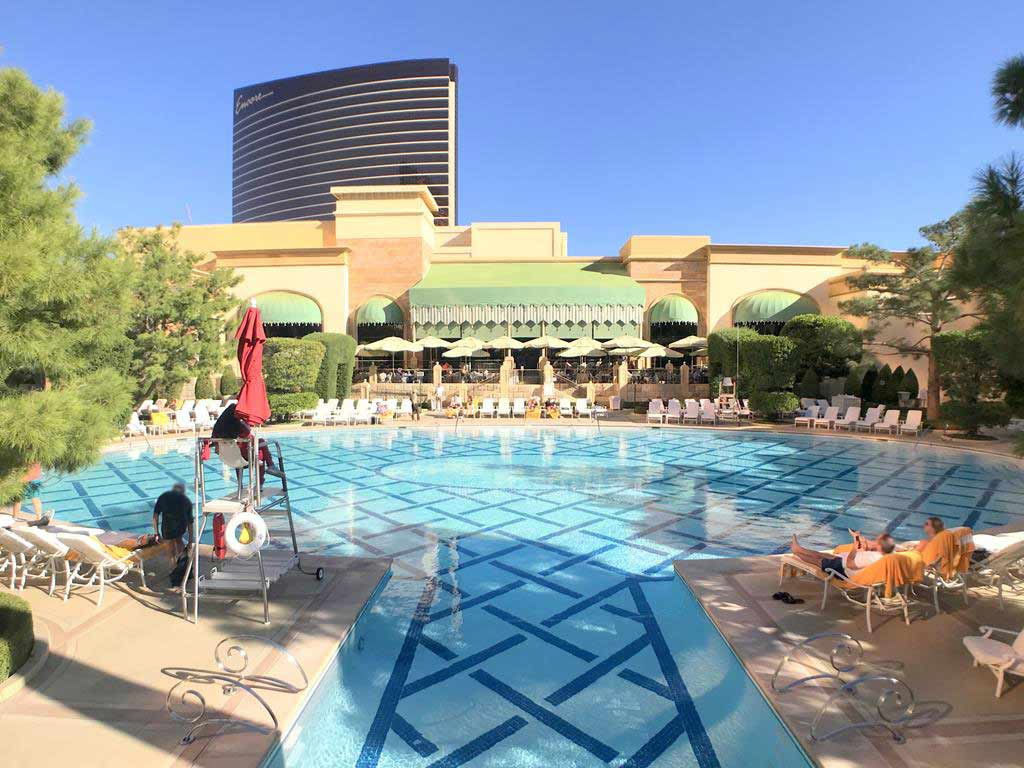 swimming pool of Wynn Las Vegas