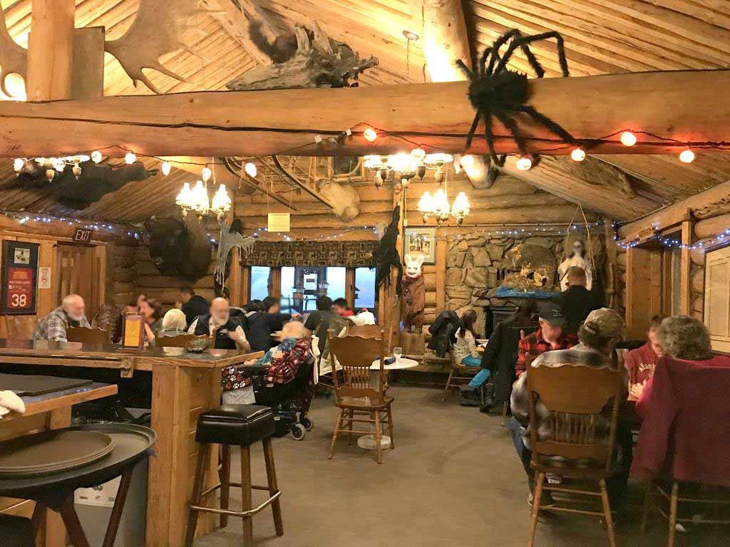 Restaurant-of-Chena-Hot-Springs-Resort