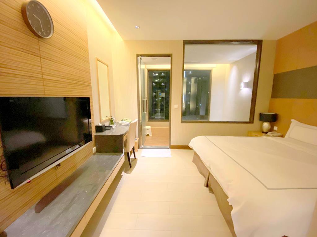 Superior Spring House evergreen jiaosi hotel