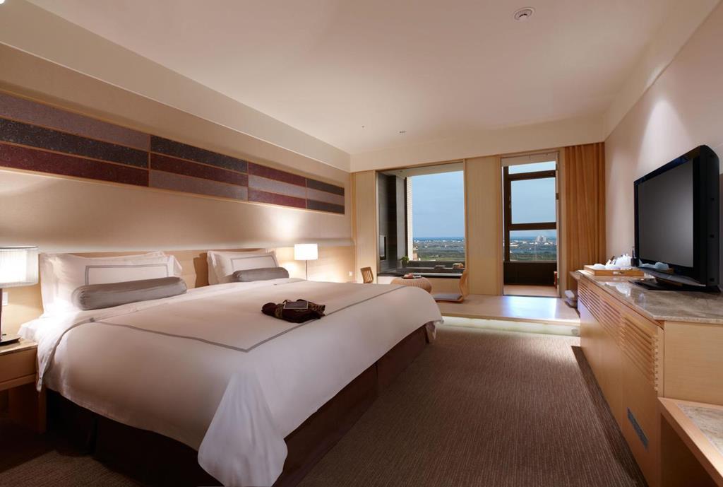 evergreen jiaosi hotel room