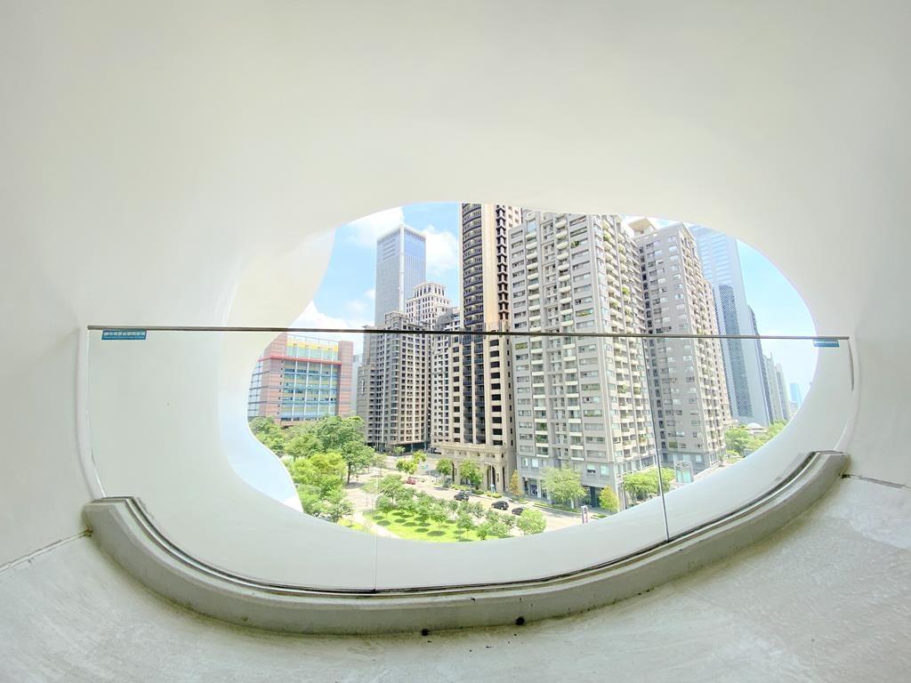 台中國家歌劇院 內凹對稱涵洞