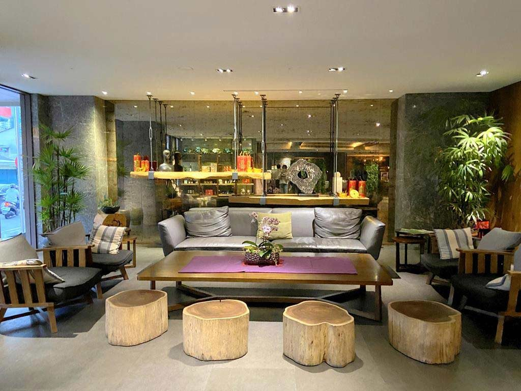 lobby of Maison de Chine Hotel Chiayi