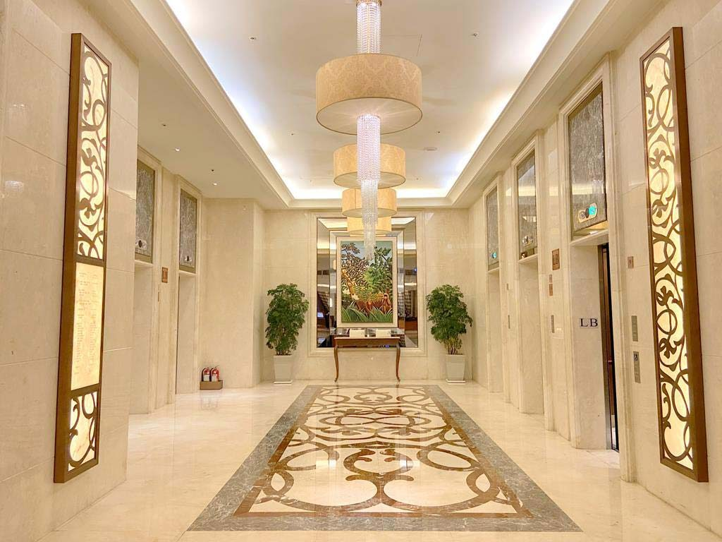 lobby of eda royal hotel