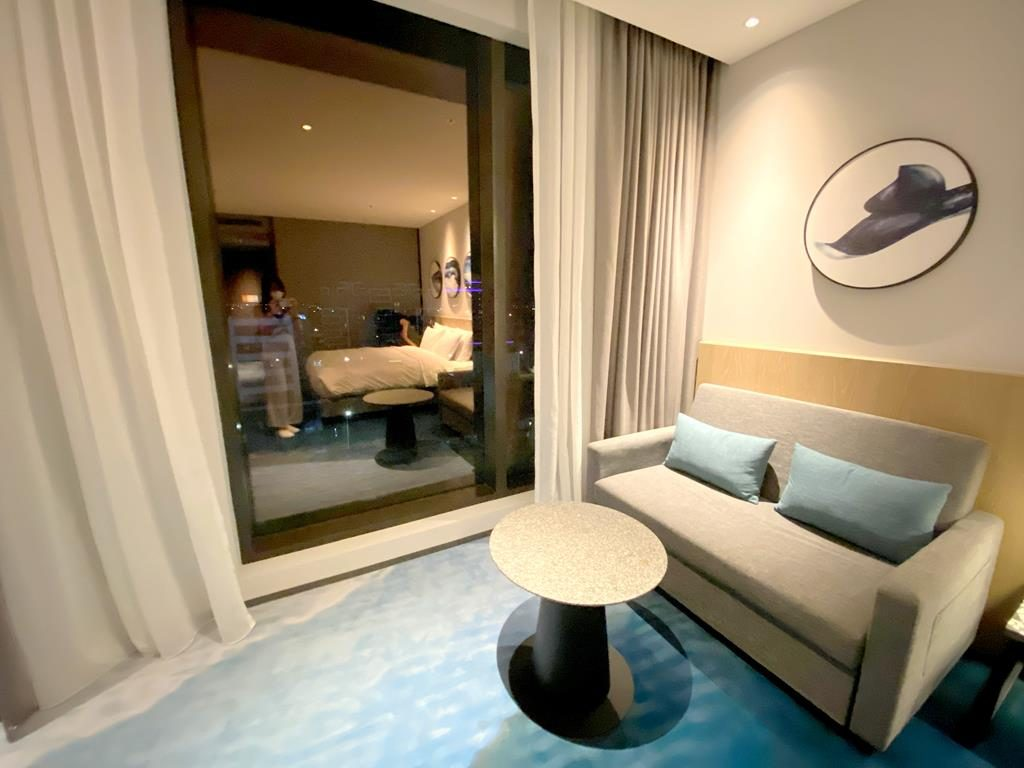 Room of Cozzi blu