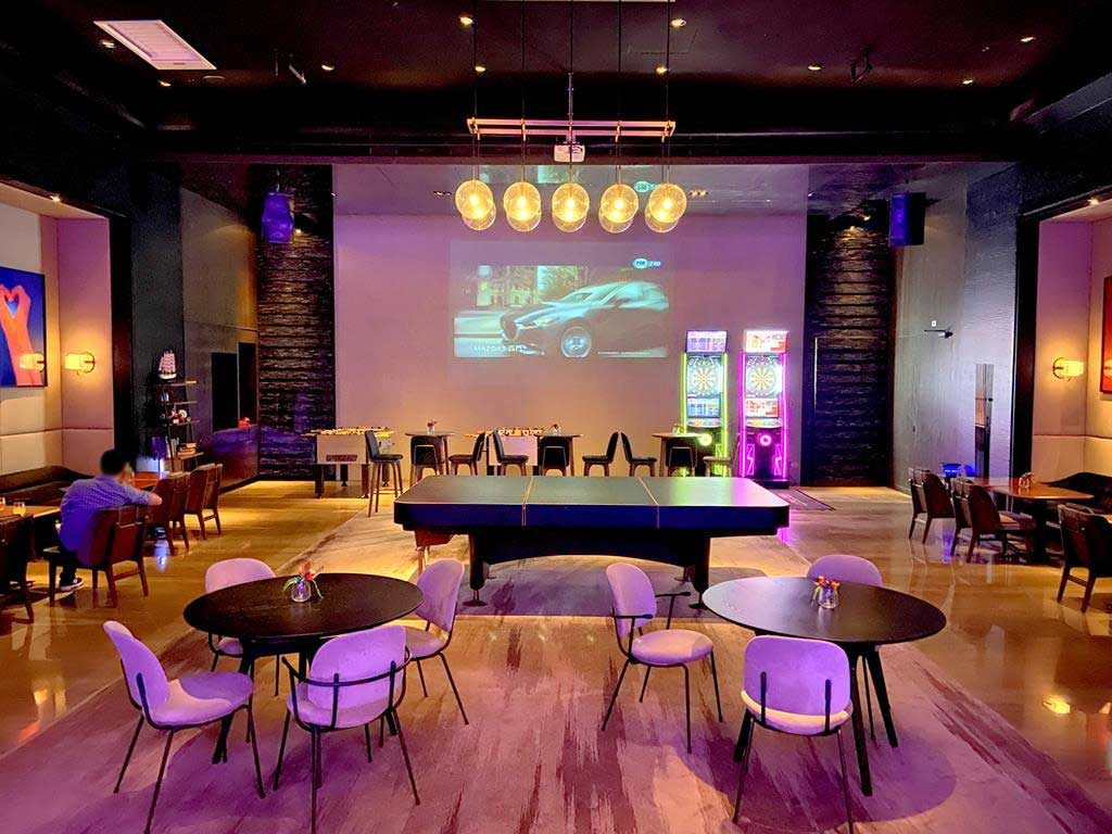 game-room-of-hotel-indigo-hsinchu