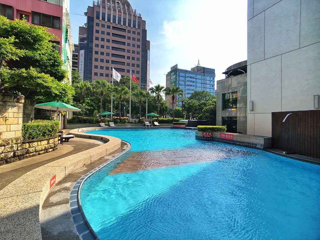 台中長榮-游泳池