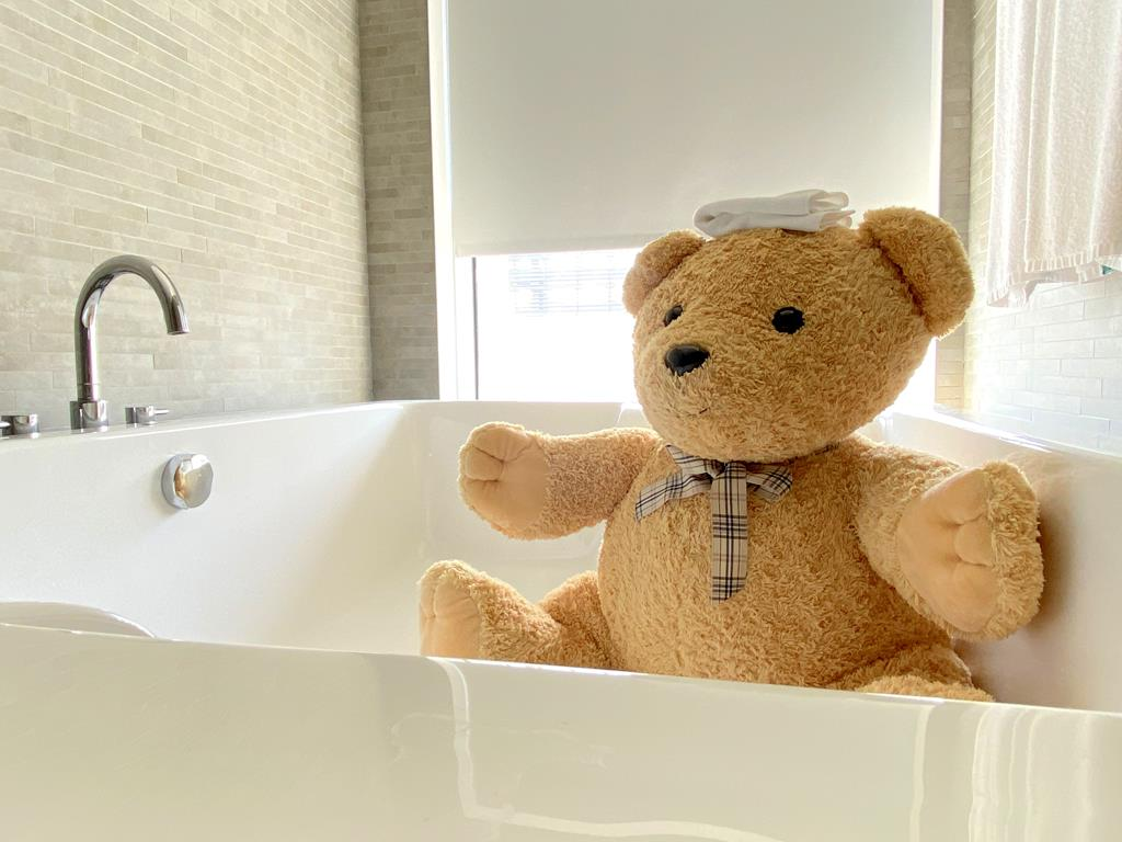 The teddy bear themed guest room of Silks Place Tainan