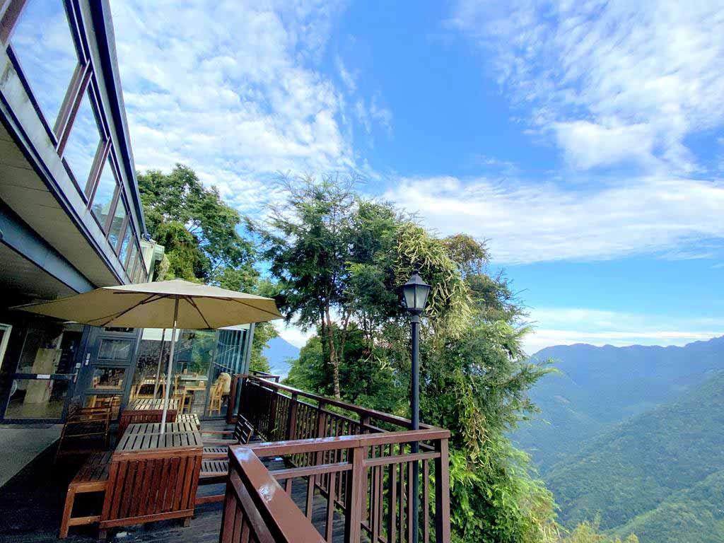 balcony-of-cloud-villa