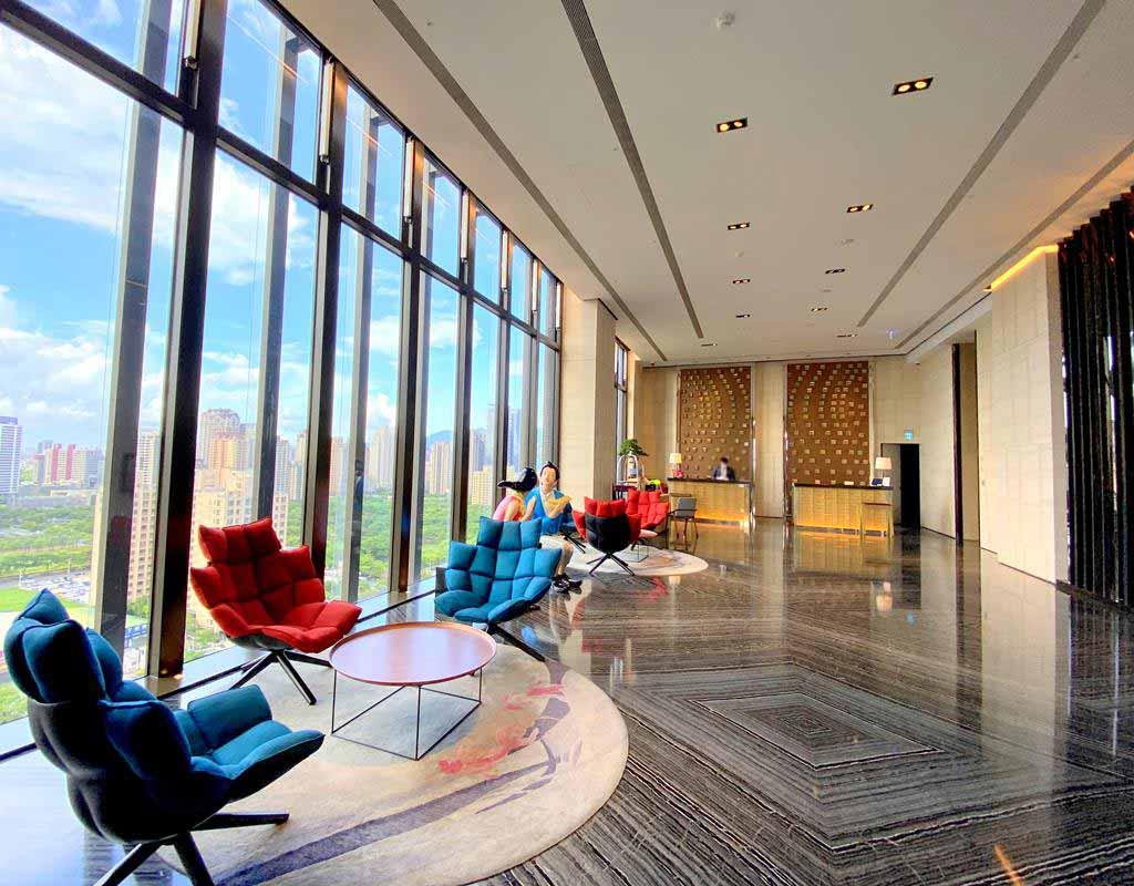 lobby-of-h2o-hotel