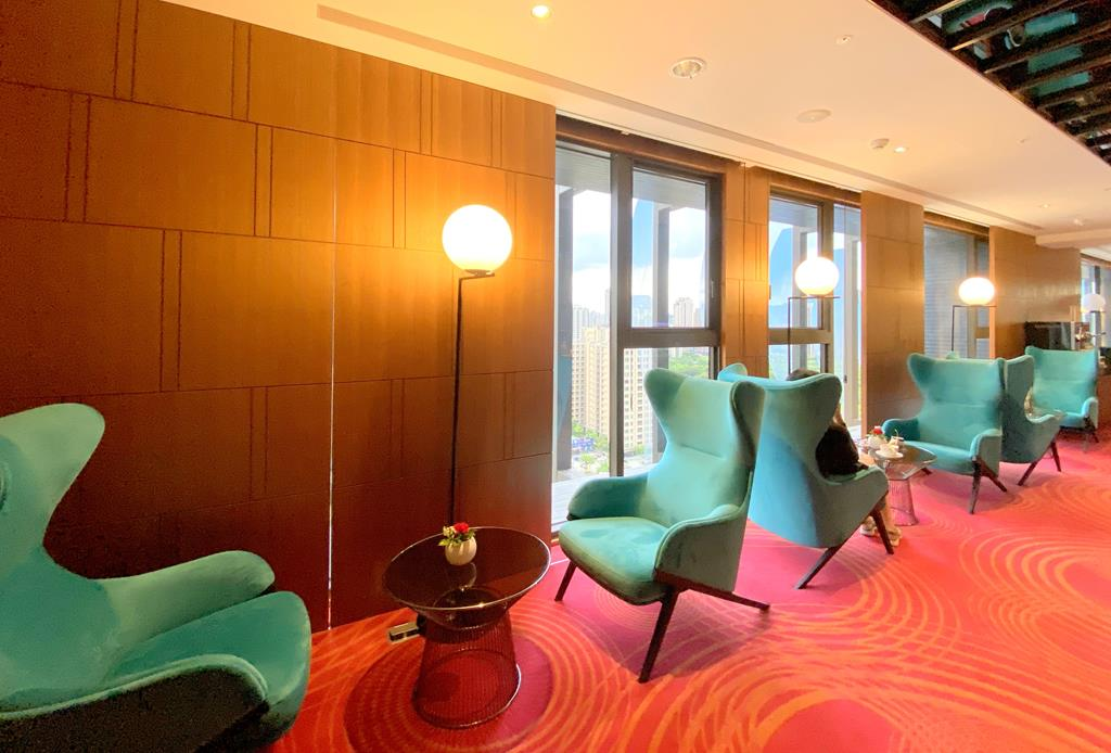 lounge of h2o hotel
