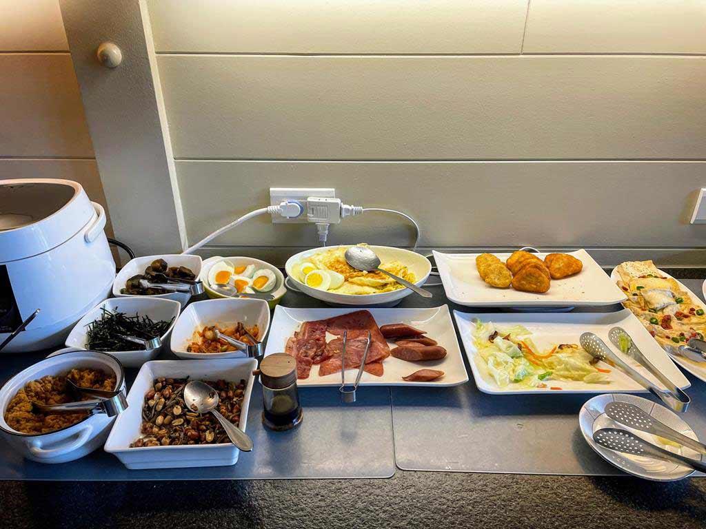breakfast-of-Blue-Sky-Bay-B&B