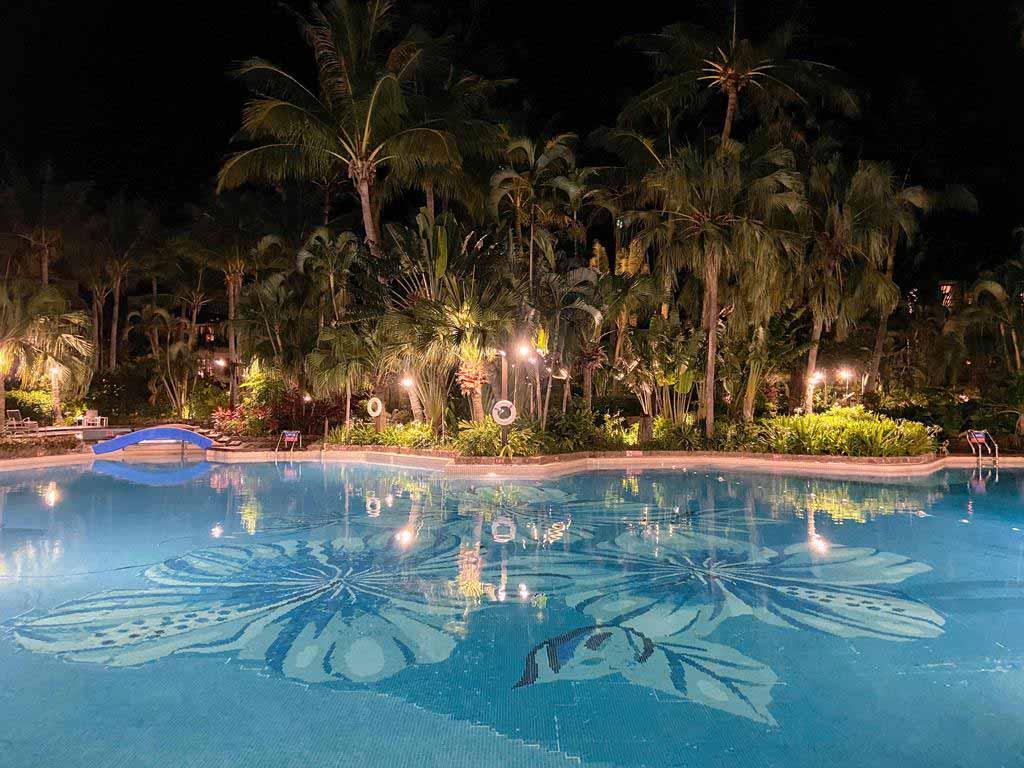swimming-pool-of Caesar Park Hotel Kenting