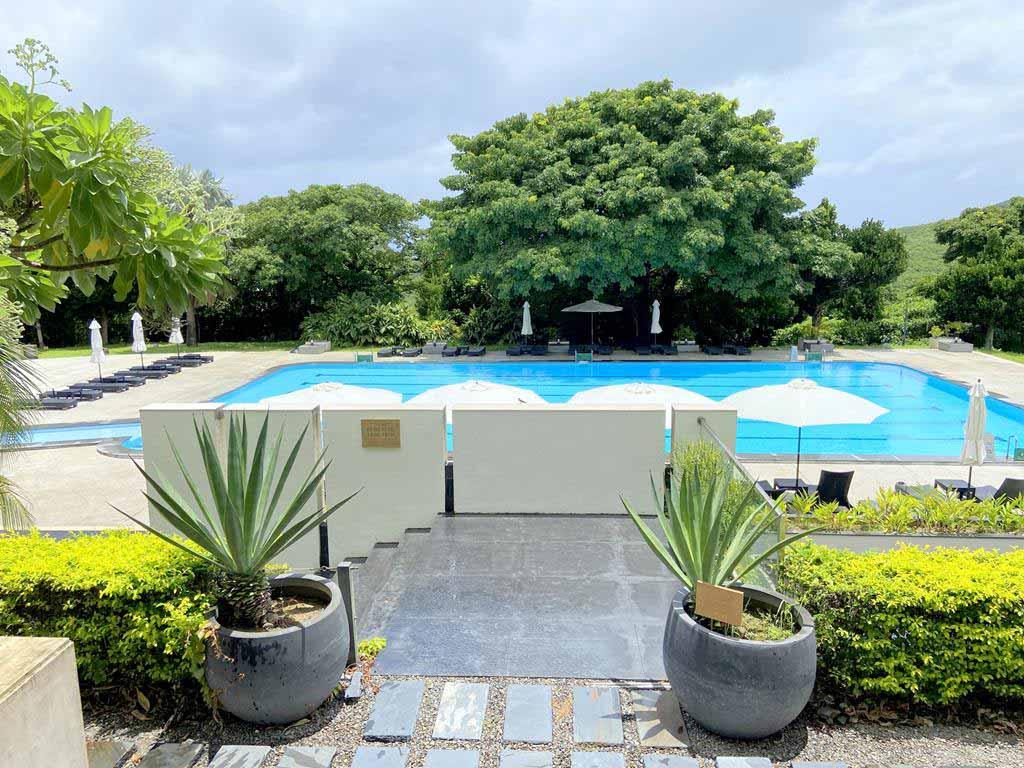 swimming pool of gloria-manor