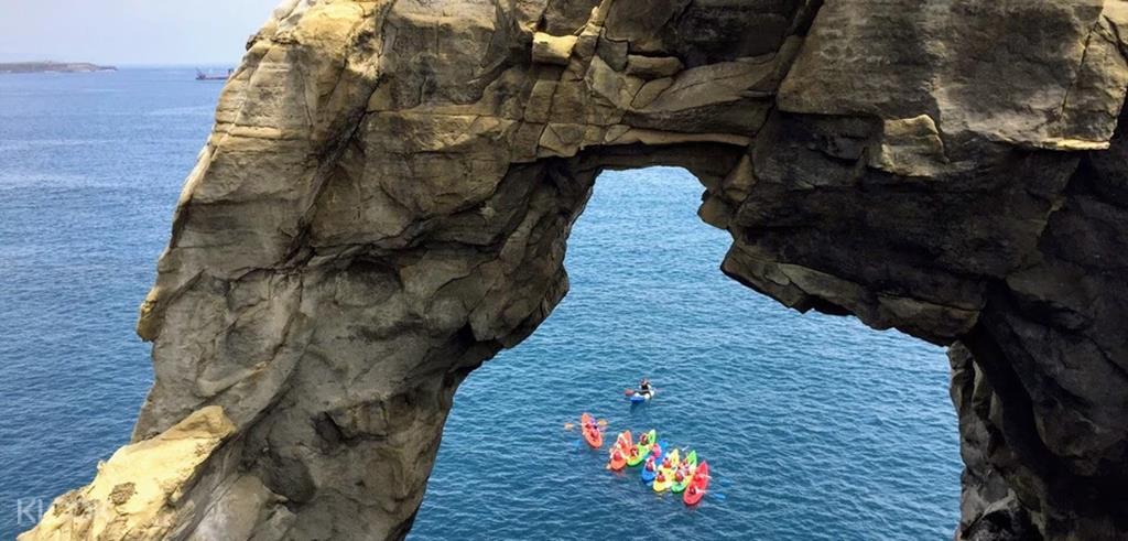 象鼻岩獨木舟