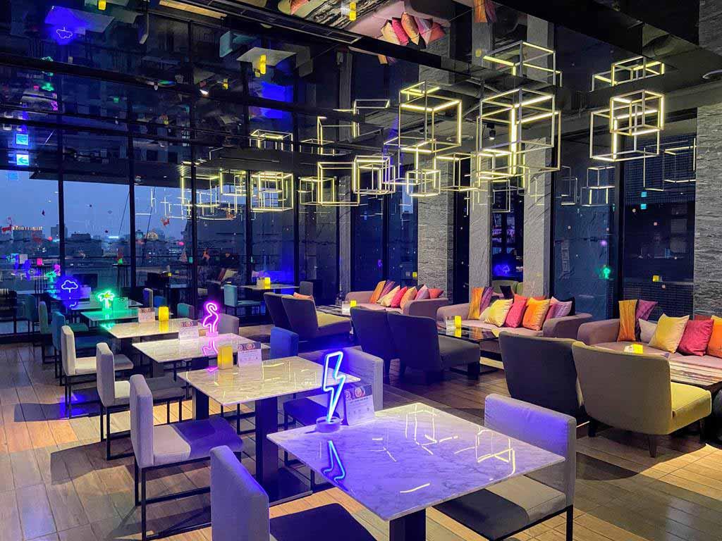 bar-of-Aloft-Taipei-Zhongshan